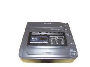 デジタルビデオカセットレコーダーGVG200閉まった状態